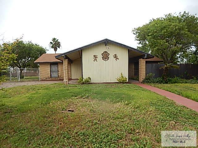 23 Meadow Ln., Brownsville, TX 78521 (MLS #29715125) :: The Martinez Team