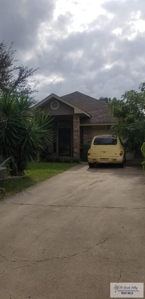 414 E 6TH ST., Los Fresnos, TX 78566 (MLS #29715603) :: The Monica Benavides Team at Keller Williams Realty LRGV