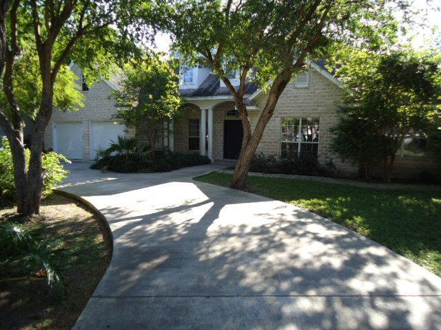 305 Tesoro Ave., Rancho Viejo, TX 78575 (MLS #29716232) :: The Monica Benavides Team at Keller Williams Realty LRGV