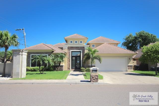 5124 Gumwood, MCALLEN, TX 78501 (MLS #29717076) :: The Monica Benavides Team at Keller Williams Realty LRGV