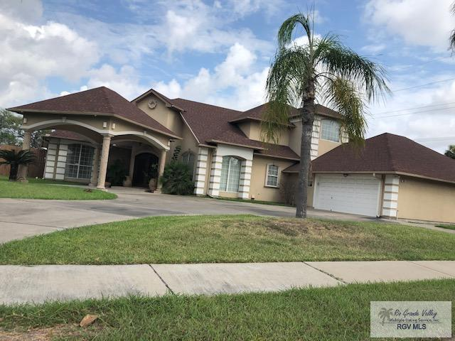 1485 Mesquite Grove, Brownsville, TX 78520 (MLS #29717822) :: The MBTeam