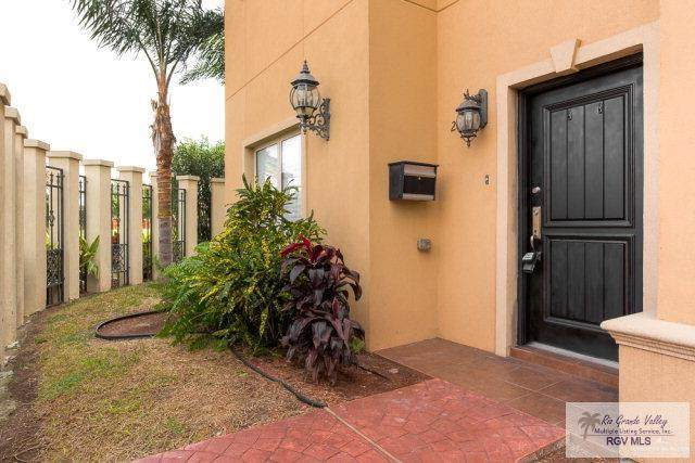 201 Robin Ave., MCALLEN, TX 78504 (MLS #29724910) :: The MBTeam
