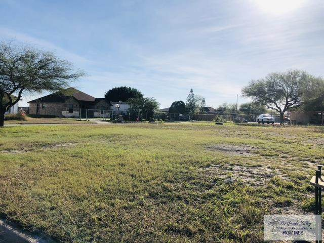 6201 Sicamoro Dr, Brownsville, TX 78521 (MLS #29726651) :: The MBTeam