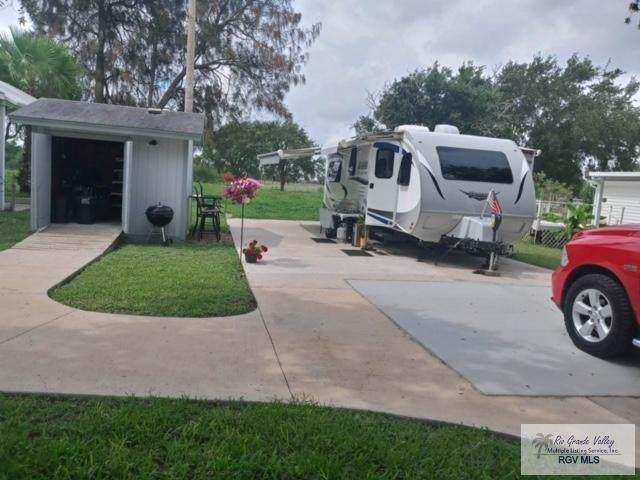 145 Mississippi River Blvd., Brownsville, TX 78520 (MLS #29728275) :: The MBTeam