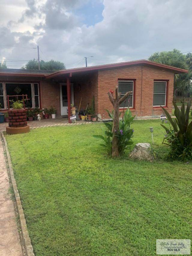 1385 Magnolia, Brownsville, TX 78520 (MLS #29729500) :: The MBTeam