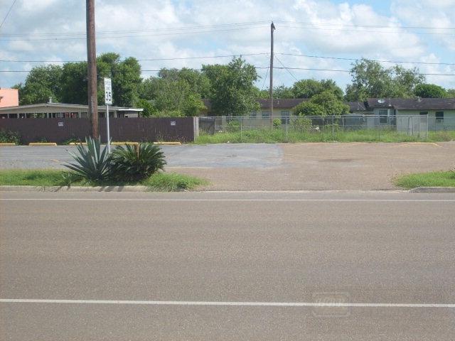 2107 E Harrison St., Harlingen, TX 78550 (MLS #54490) :: The Martinez Team