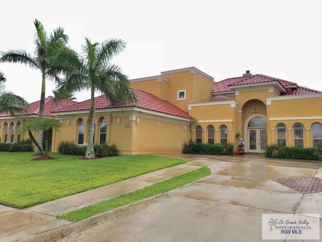 5563 Whisperwind Way Luxury Home, Brownsville, TX 78526 (MLS #29708471) :: The Martinez Team