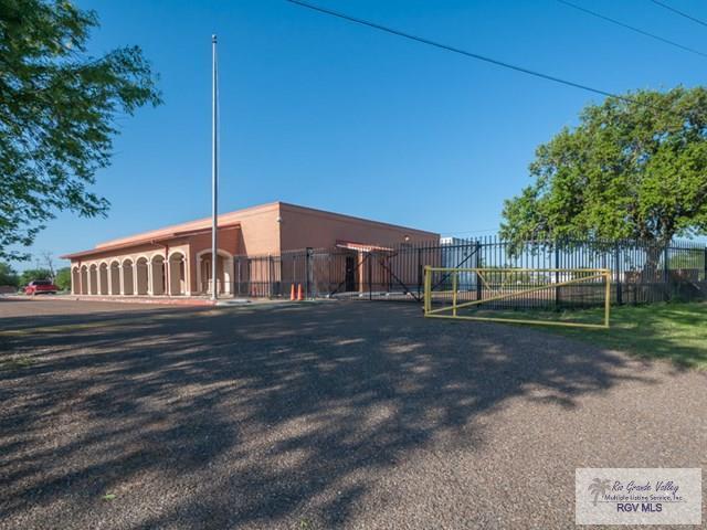 1002 E Expressway 83, Weslaco, TX 78596 (MLS #29709532) :: The Martinez Team