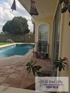 574 Jose Marti Blvd. #101, Brownsville, TX 78526 (MLS #29710548) :: The Martinez Team