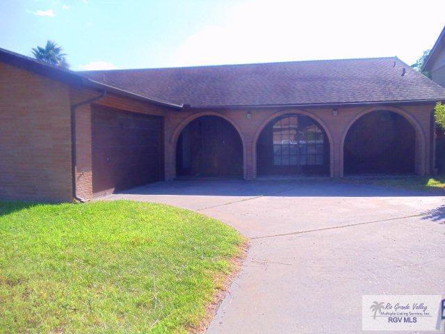 55 Lake Shore Dr., Brownsville, TX 78521 (MLS #29711436) :: The Martinez Team