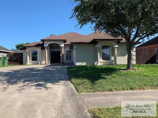 1747 Redbud Dr., Brownsville, TX 78526 (MLS #29717383) :: The Monica Benavides Team at Keller Williams Realty LRGV