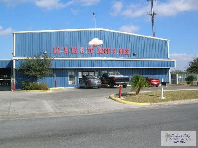 3413 Burton Dr., Brownsville, TX 78521 (MLS #29666701) :: The Monica Benavides Team at Keller Williams Realty LRGV