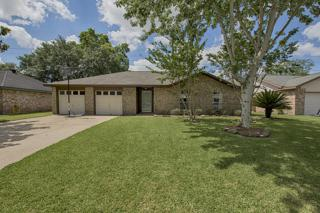 2201 Kingsway Drive, League City, TX 77573 (MLS #18842954) :: Texas Home Shop Realty