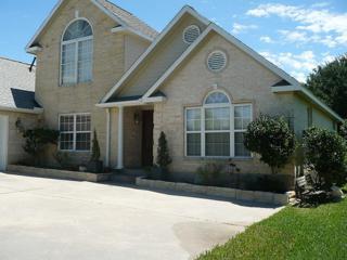 100 Spring Lake Drive, Conroe, TX 77356 (MLS #34108273) :: NewHomePrograms.com LLC