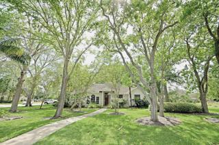 18608 Kings Lynn Street, Webster, TX 77058 (MLS #95227345) :: Texas Home Shop Realty