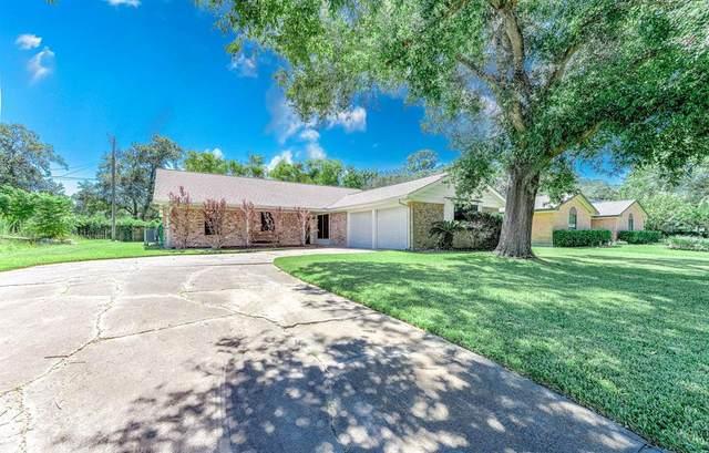 5004 Live Oak Drive, Dickinson, TX 77539 (MLS #10025763) :: Rachel Lee Realtor