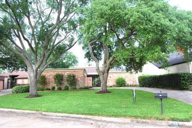 25 Bendwood Drive, Sugar Land, TX 77478 (MLS #10042159) :: The Parodi Team at Realty Associates
