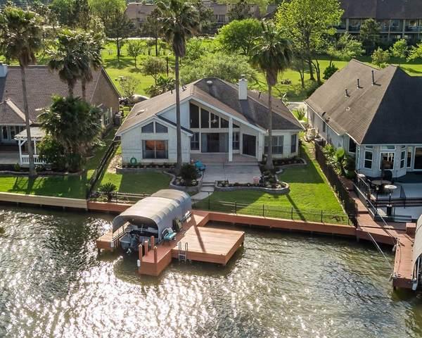10 Villas Ways Drive, Conroe, TX 77356 (MLS #10155415) :: TEXdot Realtors, Inc.