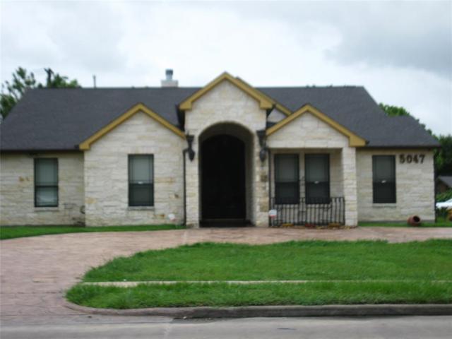 5047 W Bellfort Street, Houston, TX 77035 (MLS #10184325) :: NewHomePrograms.com LLC