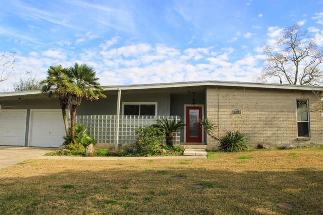 2211 Bonita Way, Baytown, TX 77520 (MLS #10194256) :: The Sold By Valdez Team