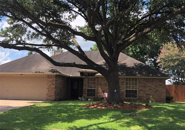 1106 Allison Street, Brenham, TX 77833 (MLS #10246435) :: The SOLD by George Team