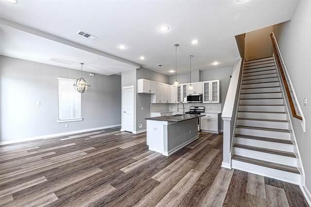 6727 Parker Oaks Lane, Houston, TX 77076 (MLS #10255287) :: My BCS Home Real Estate Group