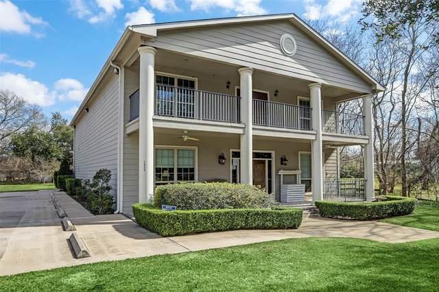 1905 Dowling Drive, Richmond, TX 77469 (MLS #10312390) :: The Home Branch