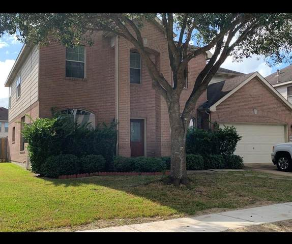 3735 Grand Hills Lane, Friendswood, TX 77546 (MLS #10322799) :: Ellison Real Estate Team