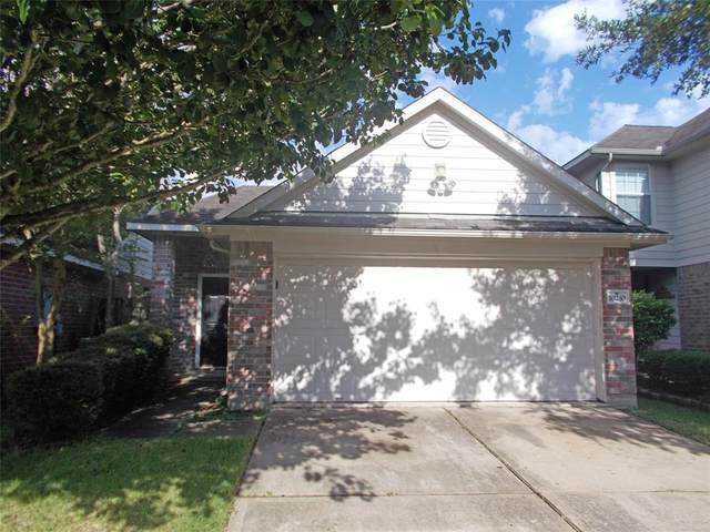 10210 Middleglen Lane, Houston, TX 77034 (MLS #10479986) :: NewHomePrograms.com LLC