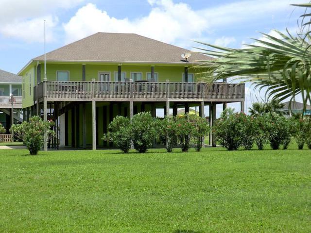 946 Surfside Drive, Crystal Beach, TX 77650 (MLS #10635719) :: Giorgi Real Estate Group