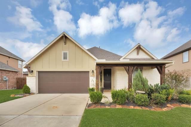 12905 Oak Falls Drive, Pearland, TX 77584 (MLS #10650619) :: Christy Buck Team