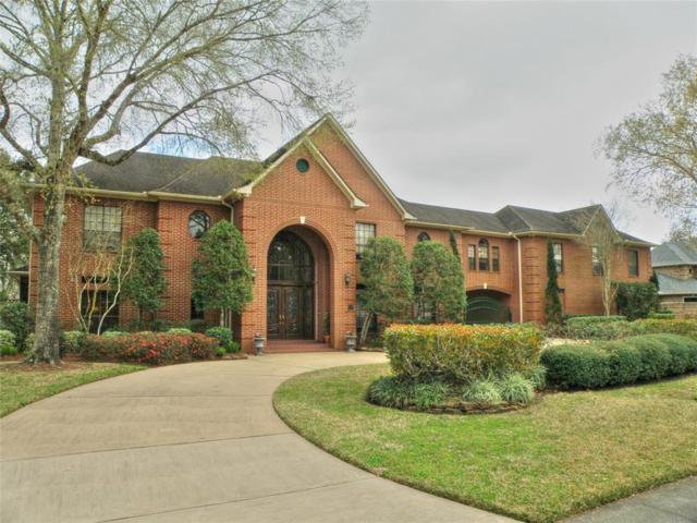 411 Carriage Creek Lane, Friendswood, TX 77546 (MLS #10726771) :: The Kevin Allen Jones Home Team