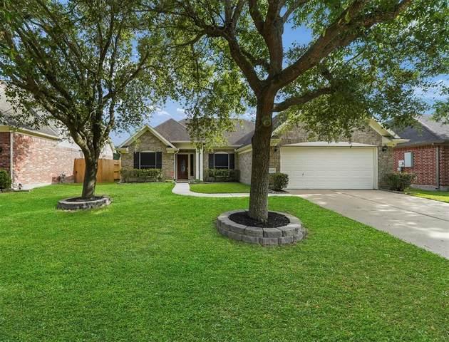 2125 Emerald Cove Drive, League City, TX 77573 (MLS #10750260) :: Rachel Lee Realtor
