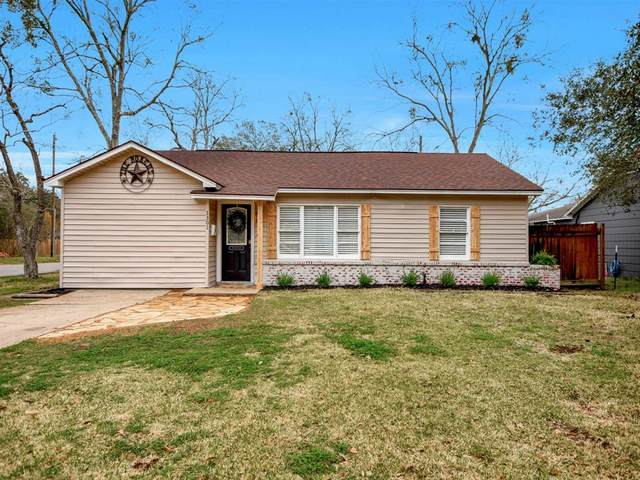 1301 George Street, Rosenberg, TX 77471 (MLS #1082147) :: Bray Real Estate Group