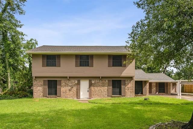 221 Post Oak Drive, Baytown, TX 77520 (MLS #10843979) :: My BCS Home Real Estate Group