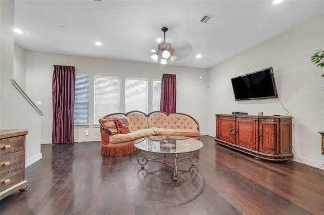 2422 Navigation Boulevard E, Houston, TX 77003 (MLS #10877641) :: Caskey Realty
