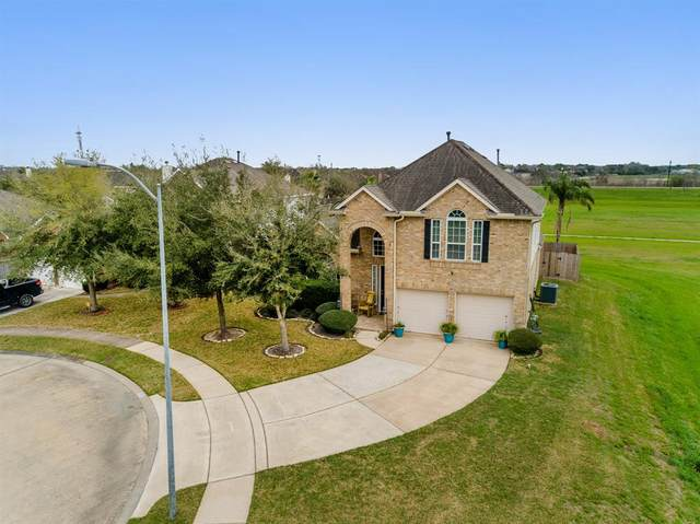 2907 Cedar Hill Court, Pearland, TX 77584 (MLS #10903361) :: CORE Realty