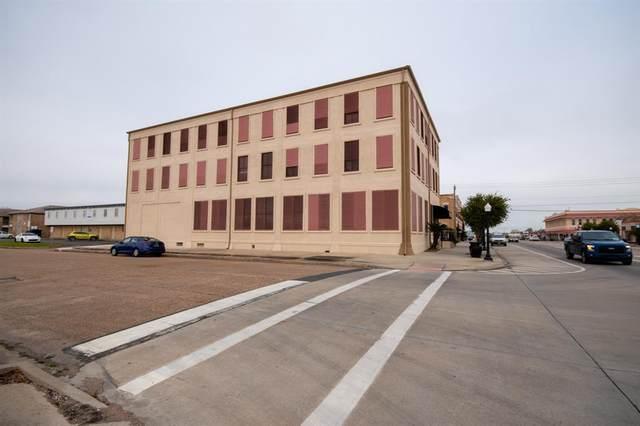 801 6th Street N #303, Texas City, TX 77590 (MLS #1094271) :: The Bly Team