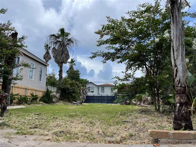 808 Sealy Street, Galveston, TX 77550 (MLS #10980137) :: The Property Guys