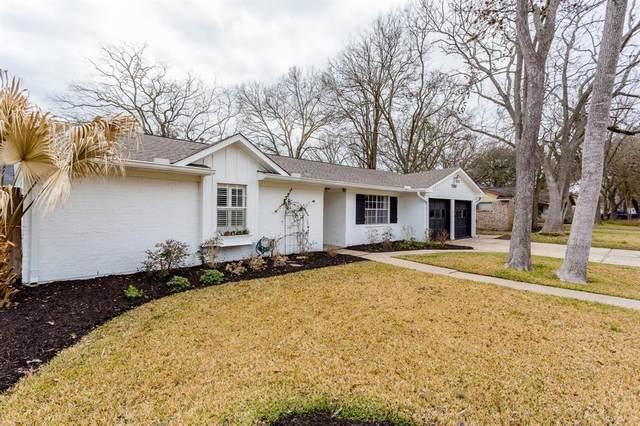 13707 Lynnwood Lane, Sugar Land, TX 77498 (MLS #10981765) :: TEXdot Realtors, Inc.