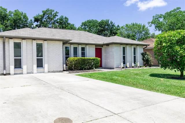 409 Bellmar Lane, Friendswood, TX 77546 (MLS #11013441) :: The Sansone Group