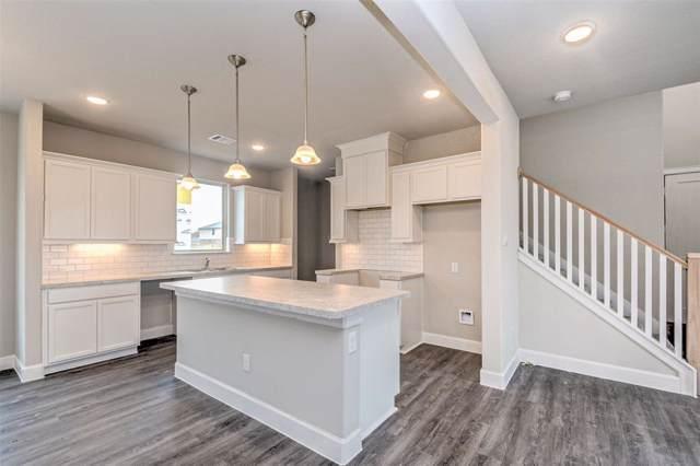 4142 West Bayou Maison Circle, Dickinson, TX 77539 (MLS #11053567) :: Phyllis Foster Real Estate