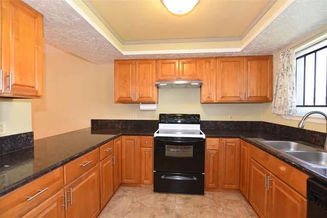 6776 Westwick Drive, Houston, TX 77072 (MLS #11160249) :: Ellison Real Estate Team