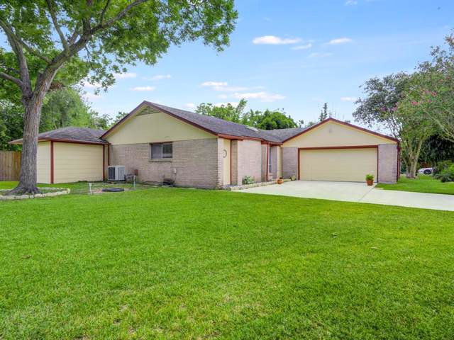 3102 Plymouth Landing Circle, Pearland, TX 77581 (MLS #11197917) :: The Bly Team