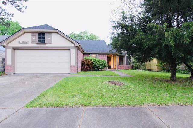 1035 St John Drive, Pearland, TX 77584 (MLS #11368247) :: The Freund Group