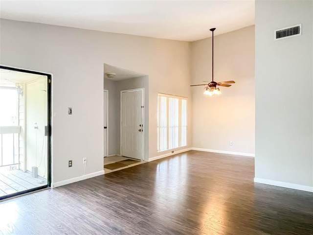 1881 Bering Drive #64, Houston, TX 77057 (MLS #11386090) :: TEXdot Realtors, Inc.