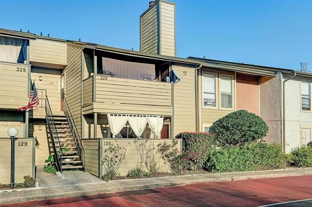 15534 Zabolio Drive #128, Houston, TX 77598 (MLS #11413790) :: The Heyl Group at Keller Williams