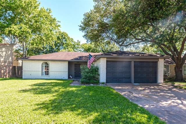 16411 Tibet Road, Friendswood, TX 77546 (MLS #11455470) :: Christy Buck Team