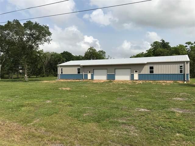 21155 County Road 171, Angleton, TX 77515 (MLS #11462828) :: NewHomePrograms.com LLC