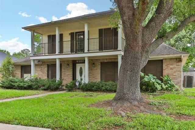 6507 Mona Vista Drive, Houston, TX 77083 (MLS #11500495) :: Guevara Backman